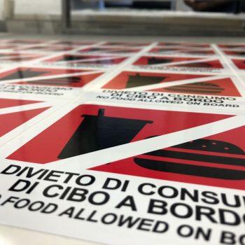 STAMPA DIGITALE adesivi stampati in quadricromia varie misure anche con protezione per esterno